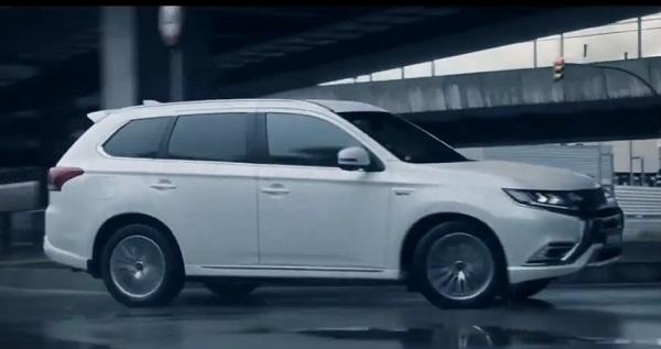 Mitsubishi Outlander 2021.