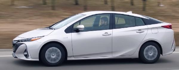Toyota Prius Prime 2020..