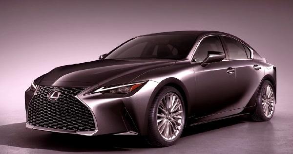 Lexus IS 2021.