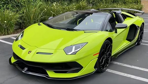 Lamborghini Aventador SVJ.