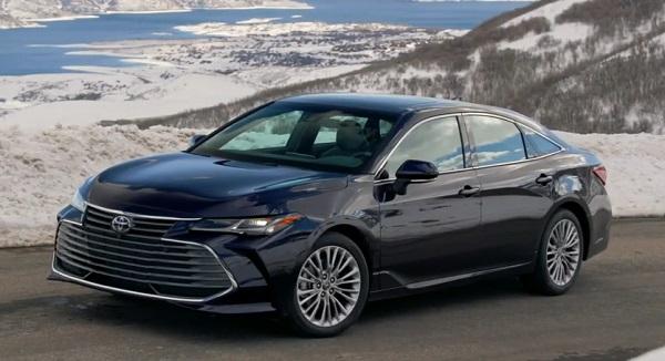 Toyota Avalon 2021.
