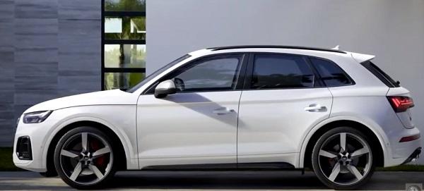 Audi SQ5 2021.