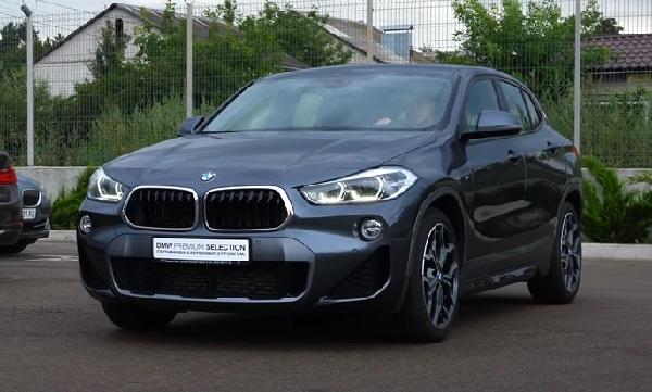 BMW X2 2021.