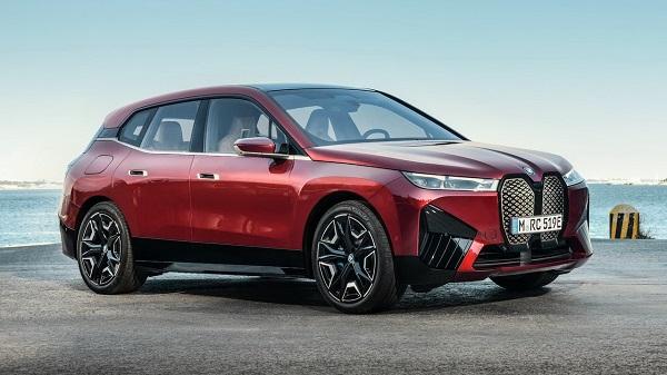 BMW iX 2022.