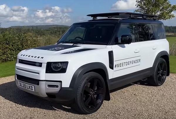Land Rover Defender 2021.