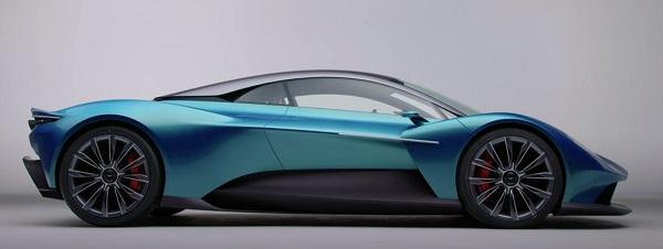 Aston Martin Vanquish 2021-2022.
