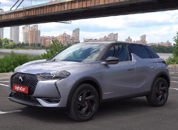 DS 3 Crossback 2021.