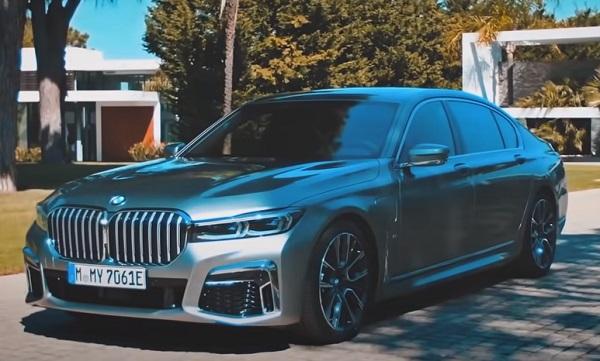 BMW 7-Series 2021.