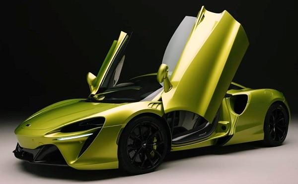 McLaren Artura 2021.