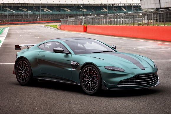 Aston Martin Vantage F1 Edition.