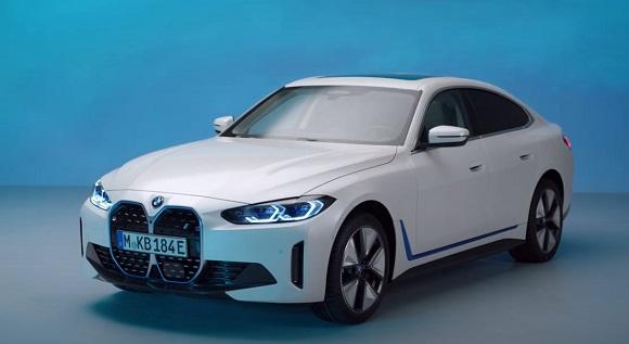 BMW i4 2022.