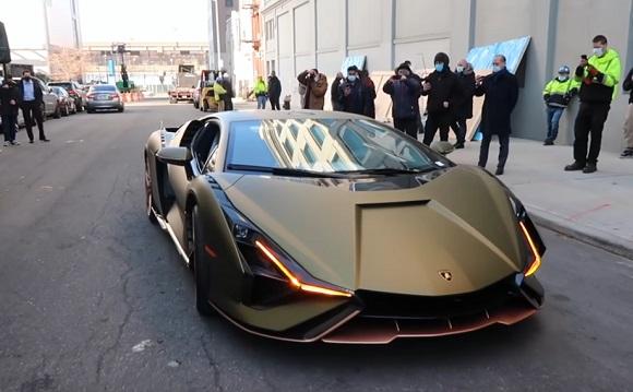 Lamborghini Sian 2021.