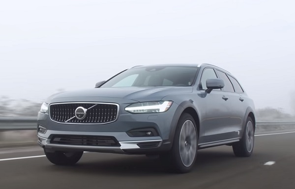 Volvo V90 Cross Country 2021.
