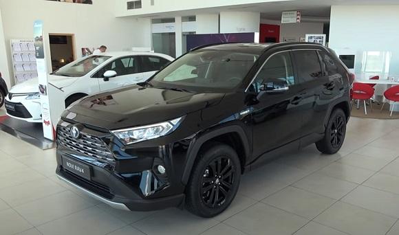 Toyota RAV4 2021.