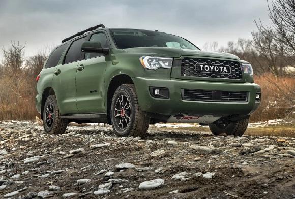 Toyota Sequoia 2021.