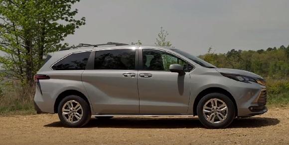 Toyota Sienna Woodland Edition 2022.