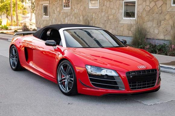 Audi R8 GT Spyder.