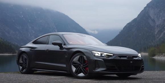 Audi RS e-tron GT 2022.