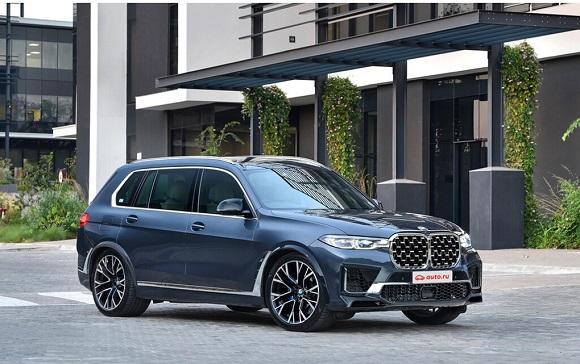 BMW X8 M 2022.